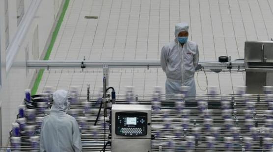 走进夏河县雪顿牦牛万博体育app苹果版官网车间,看看奶制品怎么生产